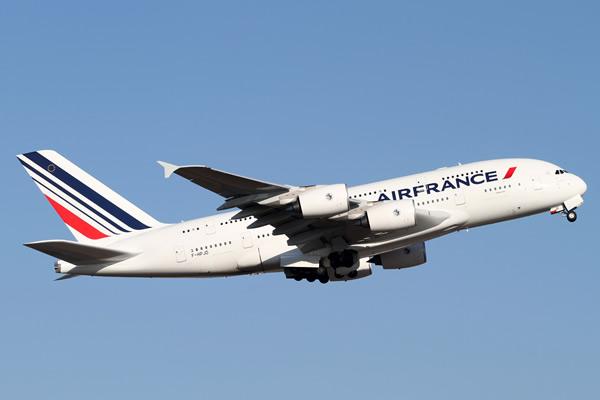 Air France-KLM denies bidding for troubled Alitalia