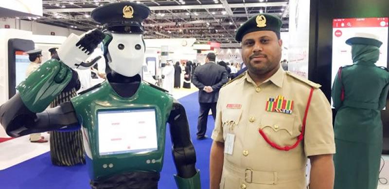 Robots begin duty as policemen in Dubai