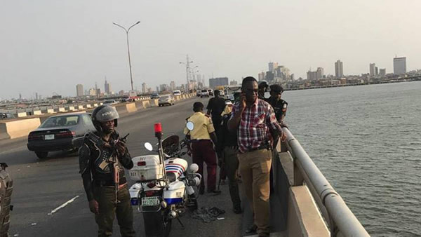 See the picture of the man who jumped into Lagos Lagoon