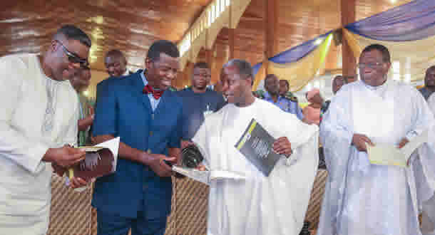 [PHOTOS] Abiara marks 75, felicitated by Osinbajo, Adeboye, others
