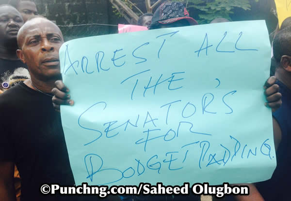 protest-to-efcc-office2