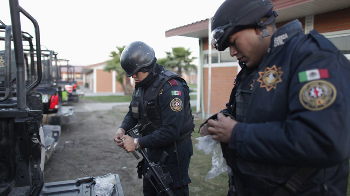 Gunmen attack Mexico family, kill two, injure three