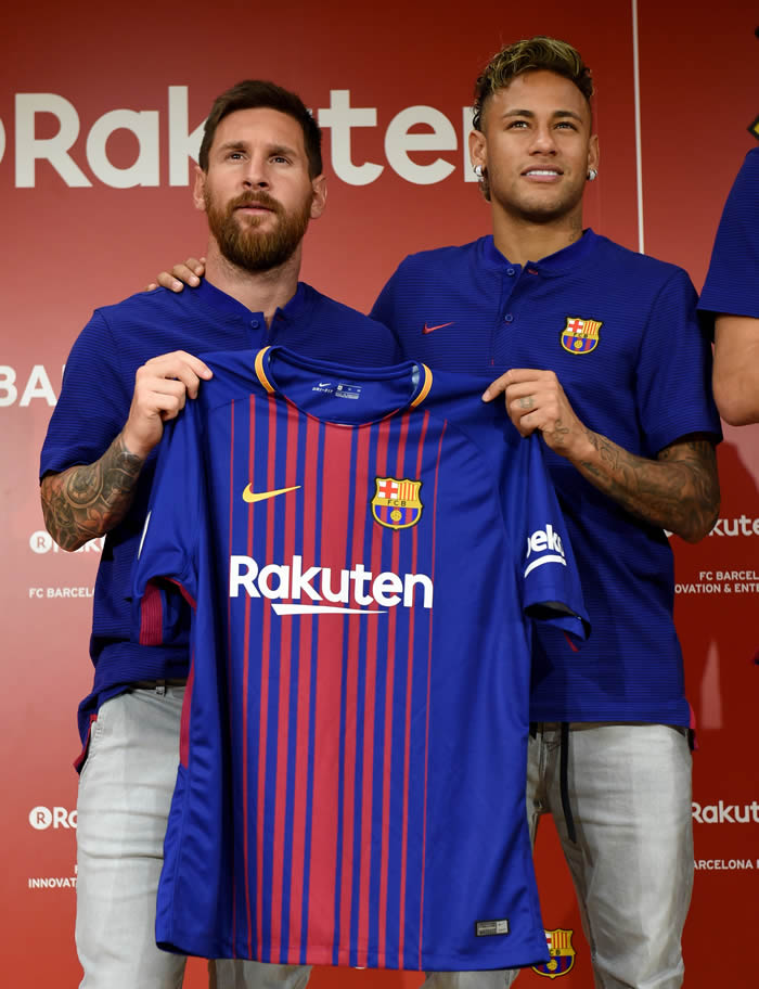 What Do You Think Of Barca's New Jersey As Players Show Off [Photos]