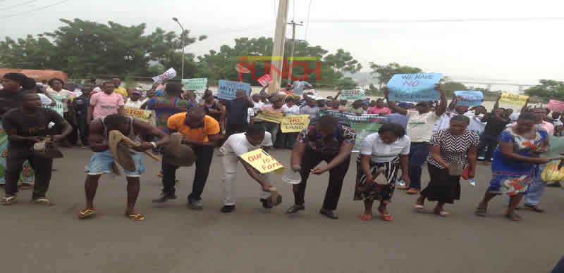 PHOTOS: Supporters of anti-grazing Bill storm Benue House of Assembly
