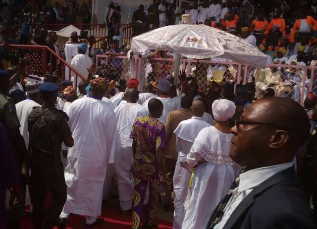 The Ooni of Ife arriving the venue at exactly 11.45am