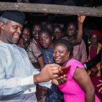 [PHOTOS] Osinbajo pays surprise visit to Ikenne market