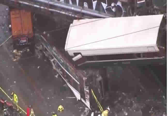 [BREAKING] Train derails in Washington, multiple deaths reported