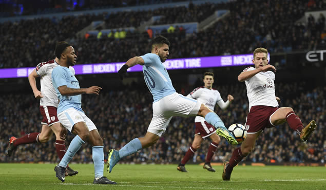 Aguero double keeps Man City`s FA Cup hopes alive